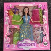 Кукла 663A с набором платьев и аксесс. в кор.