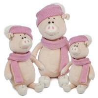 Свинка Глаша в шапке и шарфе 22 см МТ-МRT031805-22