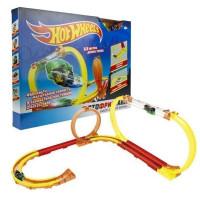 Hot Wheels Мотофристайл в компл.:инерц. мотобайк, 15 деталей трека, 2 аксессуара для трюков Т16721